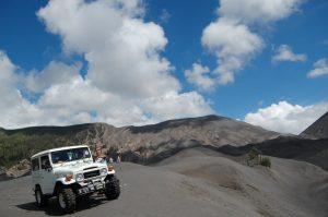 Sewa Jeep Bromo Murah Terbaru 2016